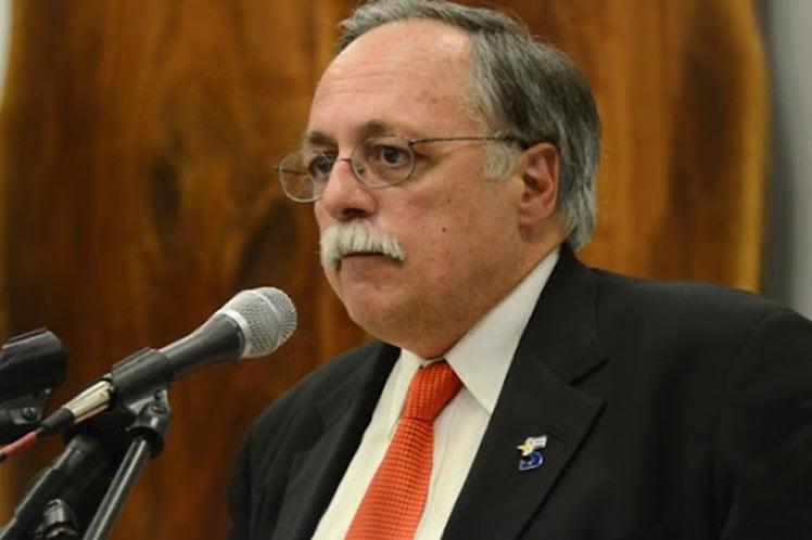 El abogado José Pertierra consideró que Trump busca ganar la Florida a todo costo. (Foto: PL)