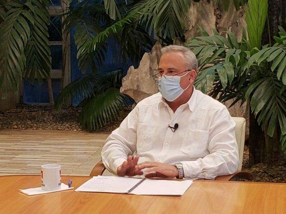 El ministro de Industrias, Eloy Álvarez Martínez, intervino en la Mesa Redonda de este lunes. (Foto: PresidenciaCuba)