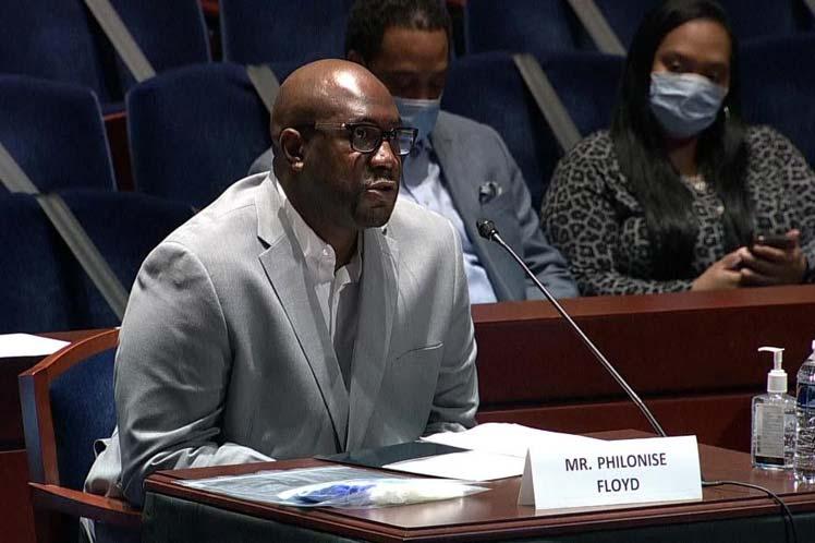 'Hagan los cambios necesarios para que las fuerzas del orden sean la solución y no el problema', pidió Philonise Floyd. (Foto: PL)