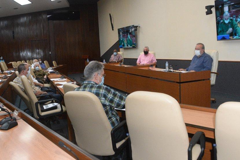 En la reunión del grupo temporal se hizo un análisis sobre la situación de La Habana. (Foto: Estudios Revolución)