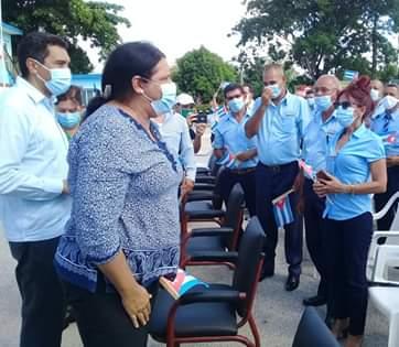 Mercedes López Acea recorrió las instalaciones e intercambió con los trabajadores.