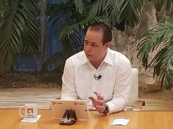 """""""Enfrentar la epidemia constituyó realmente una prioridad para el Gobierno cubano desde el primer momento"""", aseguró el ministro. (Foto: Cubadebate)"""