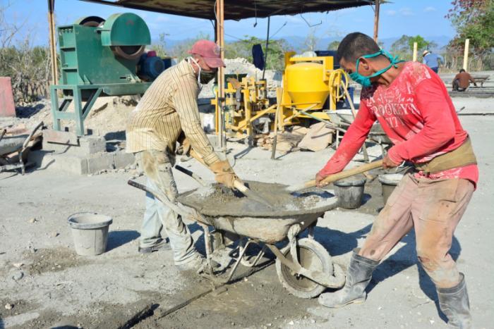 sancti spiritus, industria de materiales, materiales de la contruccion, industria local, economia cubana, construccion de viviendas, comercio