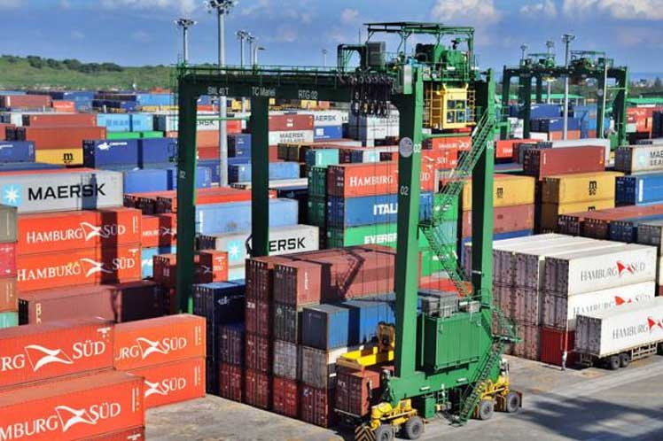 En el país existen 36 empresas especializadas en  la actividad de comercio exterior para brindar dichos servicios a las  formas de gestión no estatal. (Foto: PL)
