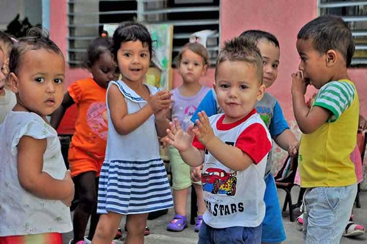 La  protección de la niñez en Cuba es una tarea de primer orden. (Foto: PL)