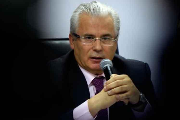 Garzón reiteró que el australiano es un  periodista perseguido por revelar hechos gravísimos de crímenes contra  la humanidad y de corrupción. (Foto: PL)
