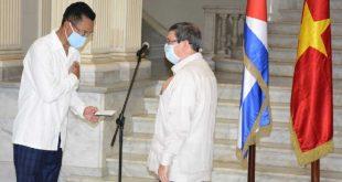 cuba, vietnam, medalla de la amistad