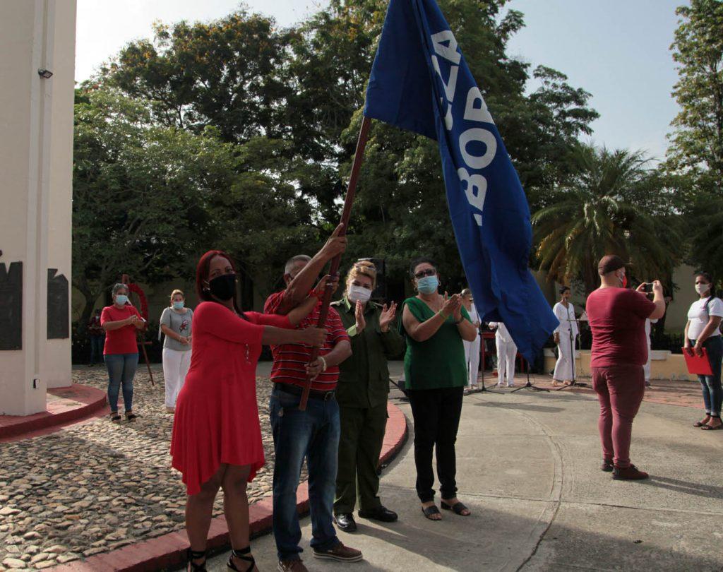 La Empresa Provincial de Transporte también recibió la Bandera de Proeza Laboral. (Foto: Oscar Alfonso)