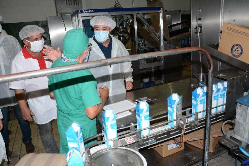 sancti spiritus, central de trabajadores de cuba, produccion de alimentos, ulises guilarte de nacimiento, industria alimentaria