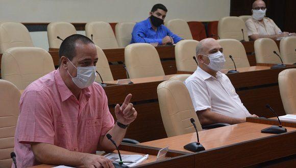El ministro de Salud apuntó que se mantienen abiertos 11 eventos de transmisión local de la enfermedad. (Foto: Estudios Revolución)