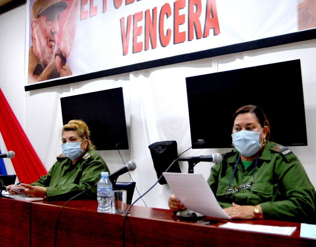 Las máximas autoridades del Consejo de Defensa Provincial dieron a conocer las nuevas medidas. (Foto: Garal)