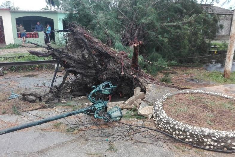 sancti spiritus, tormenta tropical laura, redes electricas, empresa electrica, ciclones, desastres naturales