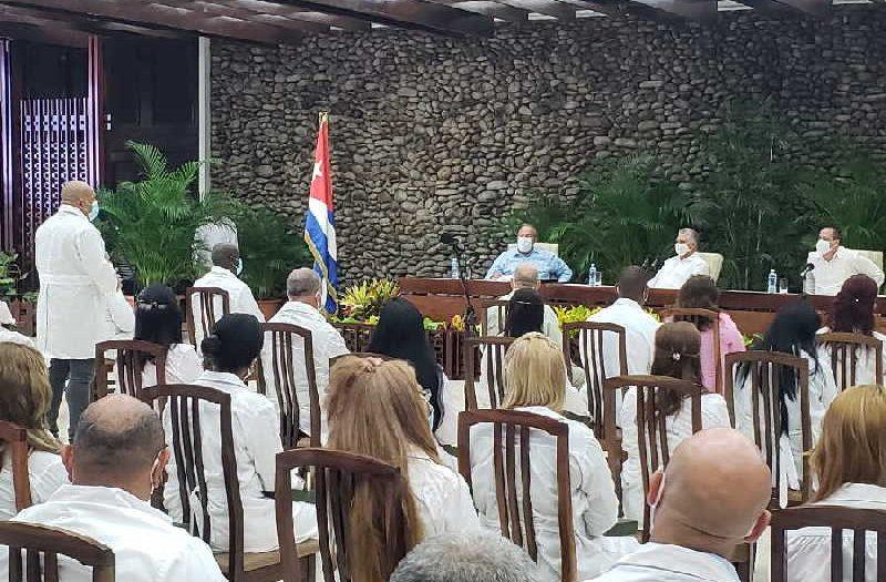 cuba, contingente henry reeve, medicos cubanos, miguel diaz-canel, presidente de la republica de cuba, togo, kuwait, covid-19, coronavirus