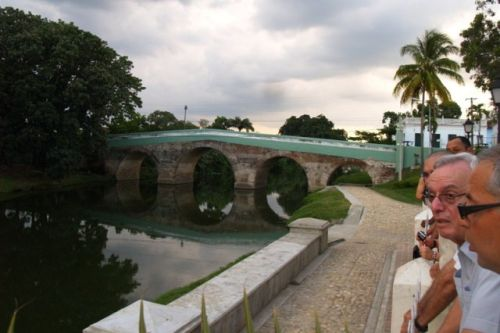 Eusebio Leal alabó las labores de restauración del patrimonio materializadas en la villa del Espíritu Santo. (Foto: Escambray)