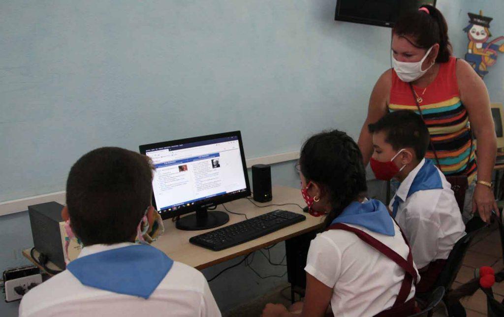 En medio del complejo escenario provocado por la  COVID-19, la Unesco reconoce las estrategias de Cuba en materia de  Educación inclusiva y de calidad. (Foto: PL)