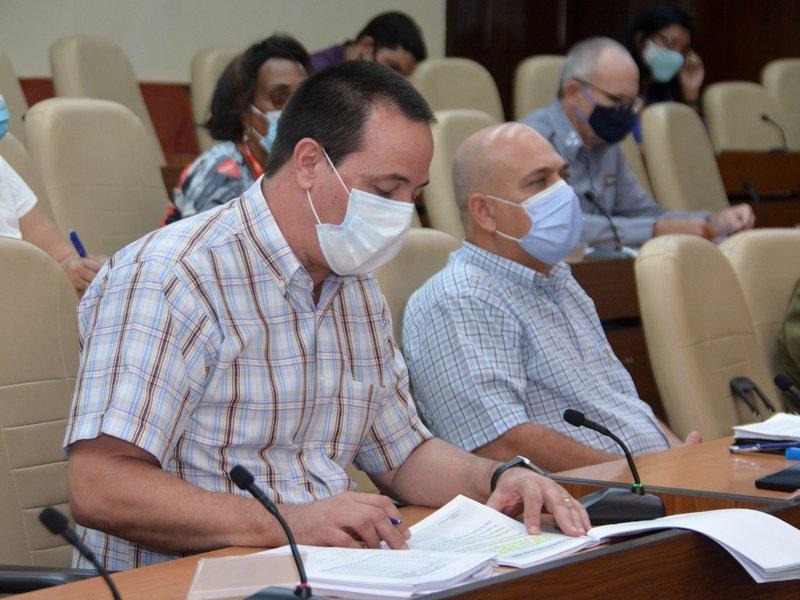 El titular de Salud Pública, José Angel Portal, puntualizó que se mantienen ingresadas en hospitales 576 personas diagnosticadas con el SARS-CoV-2. (Foto: Estudios Revolución)