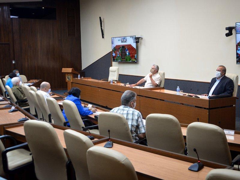 La sesión de trabajo del Grupo Temporal fue  encabezada por el Presidente Miguel Díaz-Canel y  el Primer Ministro, Manuel Marrero. (Foto: Estudios Revolución)