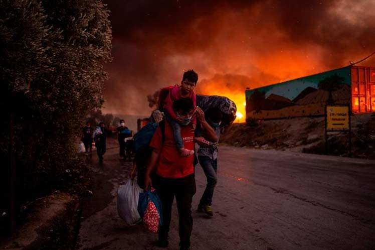 grecia, incendio, migrante, medicos sin frontera, msf