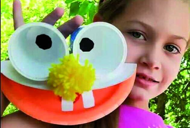 La niña Amalia Hernández Morera se alzó con el segundo lauro en la categoría collage y manualidades. Foto: Tomada del perfil de Facebook de la Brigada de Instructores de Arte José Martí.