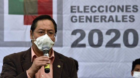 Con el 85,23 por ciento de las actas escrutadas, Luis Arce tiene a su  favor el 53,91 por ciento de los votos. (Foto: AFP)