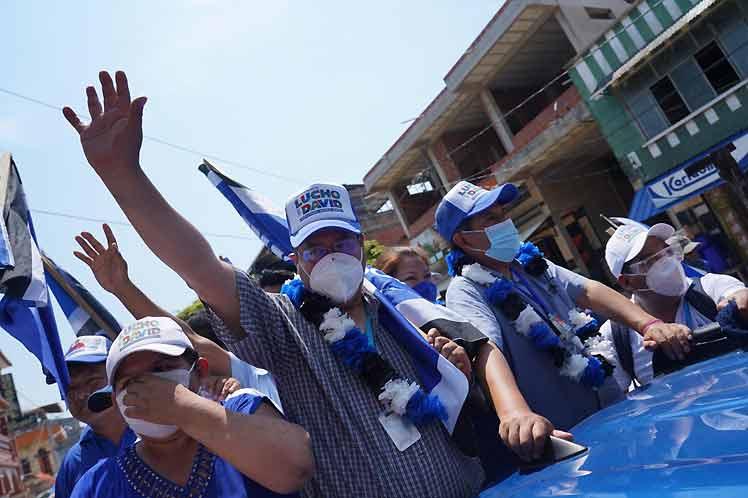 Luis Arce condenó la agresión de un grupo de choque derechista a militantes del MAS. (Foto: PL)