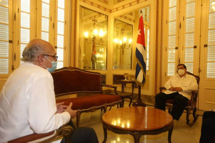 El embajador español Juan Fernández culmina su misión en Cuba. (Foto: PL)