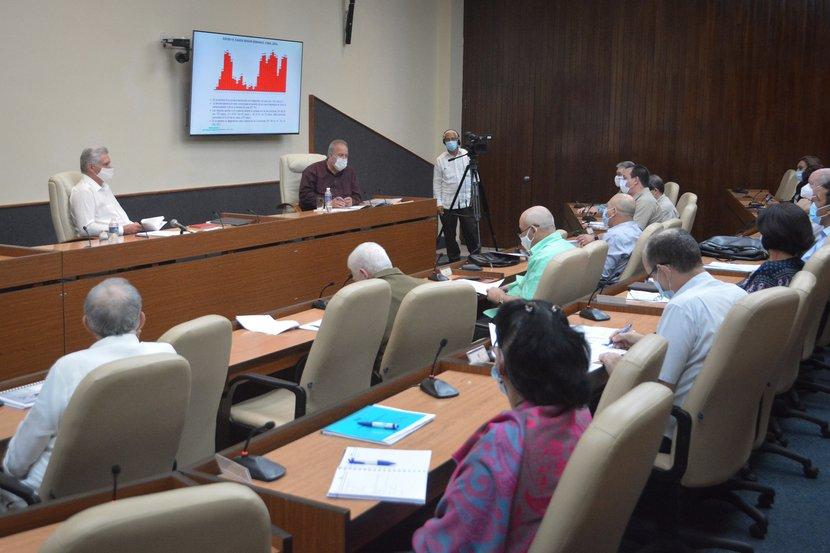 Díaz-Canel encabezó el análisis de la situación generada por la Tormenta Eta en Cuba. (Foto: Estudios Revolución)
