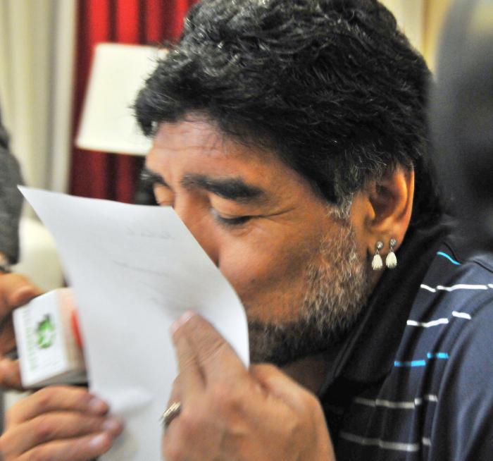 El mensaje destaca al futbolista como un entrañable y fiel amigo de Fidel y de la población cubana. (Foto: Ricardo López Hevia)