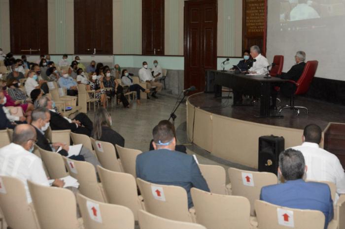 diaz-canel participa en evento de las ciencias 1 foto presidencia cuba