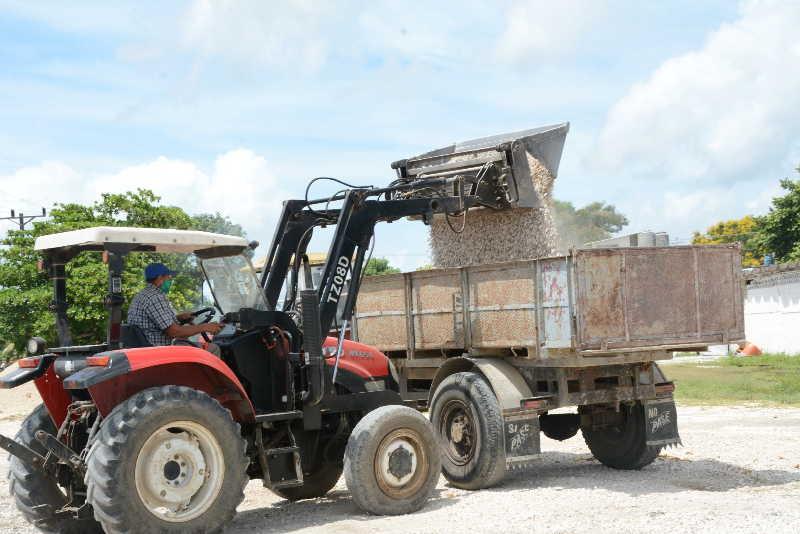 La venta de materiales a la población ha sido deficitaria durante el segundo semestre del año. (Foto: Vicente Brito / Escambray)