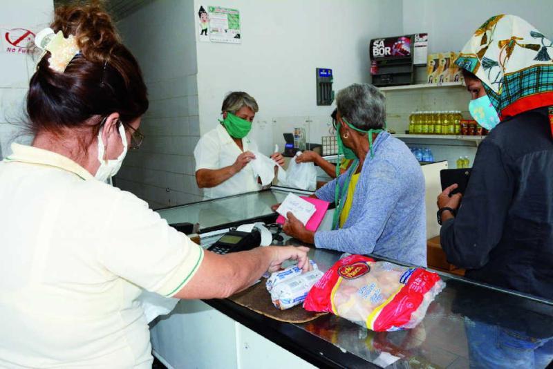 Aumentan en Cuba establecimientos que aceptan pesos cubanos convertibles