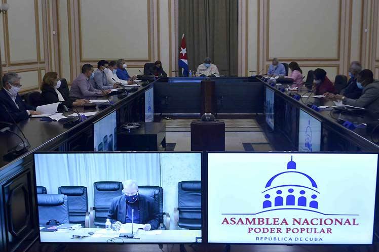 Encabezado por su presidente, Esteban Lazo, el órgano sesionó de forma virtual con la presencia del primer ministro cubano, Manuel Marrero. (Foto: PL)