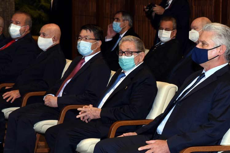 En el encuentro, celebrado en el Consejo de Estado, fue recordado el legado de los líderes históricos de Cuba y Vietnam, Fidel Castro y Ho Chi Minh. (Foto: PL)