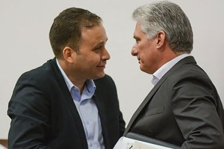 En el intercambio se chequeó el cumplimiento de los acuerdos del pasado Congreso de la Uneac. (Foto: PL)