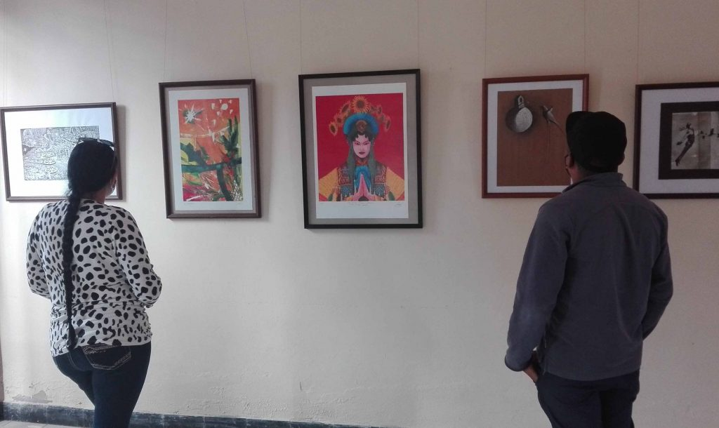 Diferentes artistas dialogan en Penthouse. (Fotos: Lisandra Gómez Guerra)