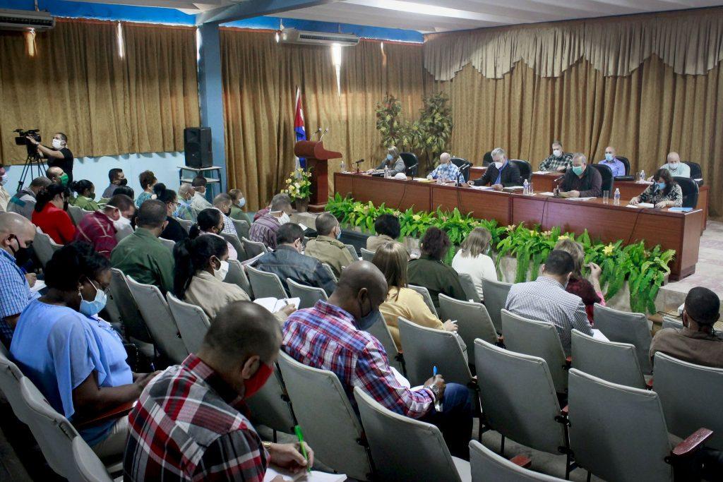 En el encuentro trascendió que en el programa de autoabastecimiento municipal, sobresale el rescate de más de una veintena de polos productivos.