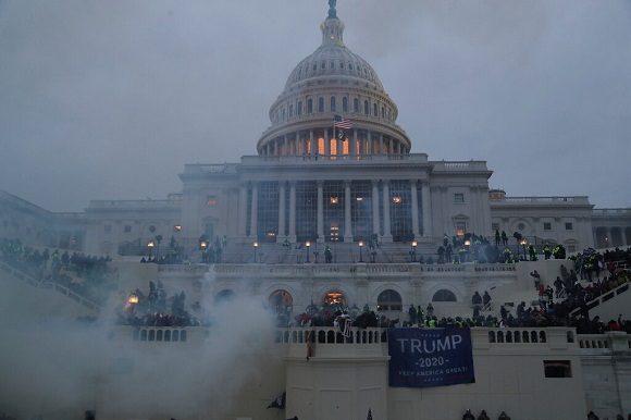 Manifestantes irrumpieron este miércoles en el Capitolio de Estados Unidos. (Foto: Reuters)