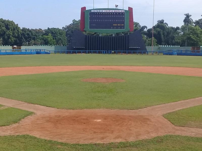 El estadio José Antonio Huelga acogerá el choque semifinal entre Alazanes granmenses y Vegueros pinareños.