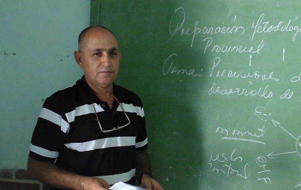 Más de 30 años atesora Mario Lazo Rodríguez  en el magisterio. (Foto: Cortesía del Entrevistado)
