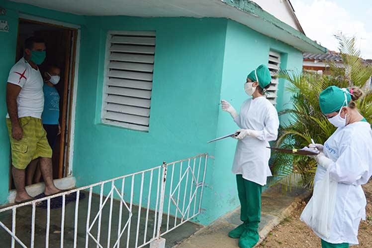 La provincia intensifica las medidas higiénico sanitarias y de seguridad individual y colectiva ante el aumento de casos de la COVID-19. (Foto: PL)