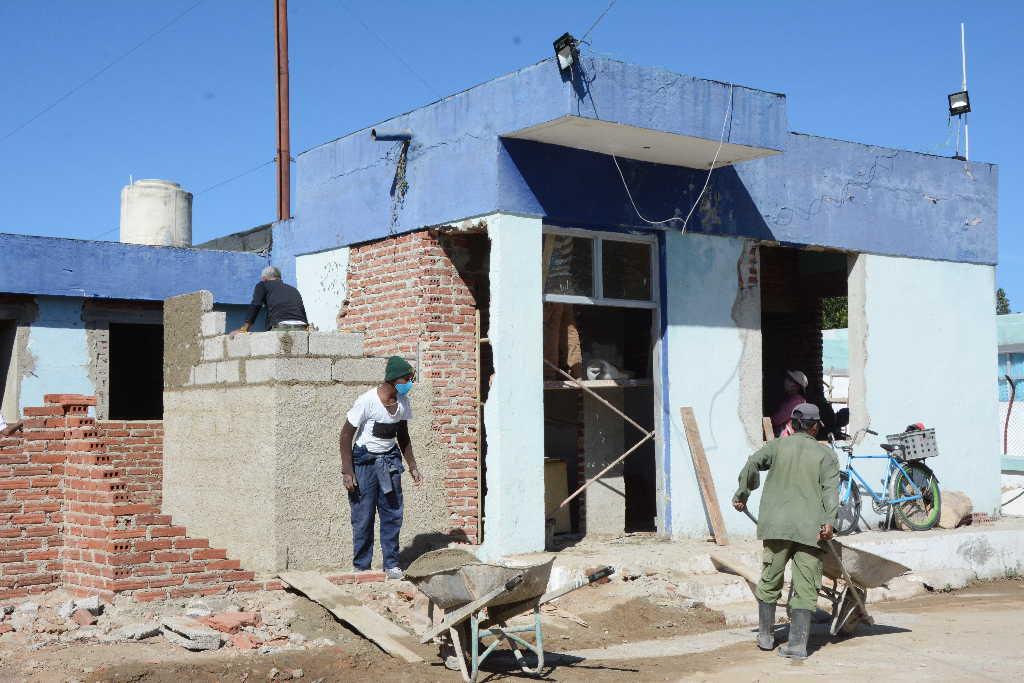 La obra civil es ejecutada por empresas constructoras del territorio.