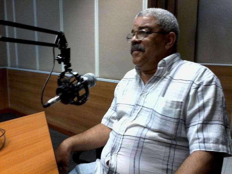 Pedro de la Hoz consideró que el tema va contra una larguísima tradición patriótica cubana en la canción. (Foto: Radio Rebelde)