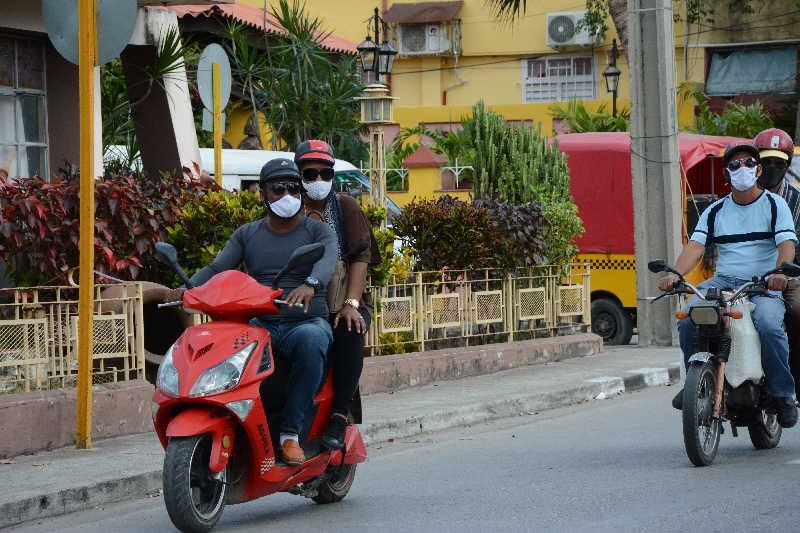 Los trámites relacionados con la licencia de conducción se realizan en las oficinas municipales y mantienen los mismos precios. (Foto: Vicente Brito / Escambray)