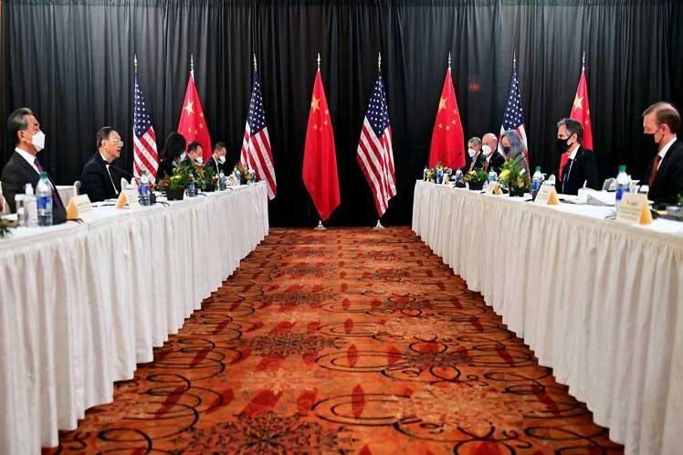 Este fue el primer encuentro oficial y en persona de China con funcionarios del gobierno de Joe Biden. (Foto: PL)