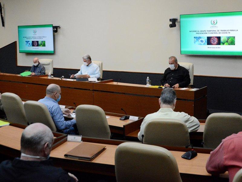 El encuentro estuvo encabezado por Díaz-Canel, Machado Ventura y Manuel Marrero Cruz. (Foto: Estudios Revolución)