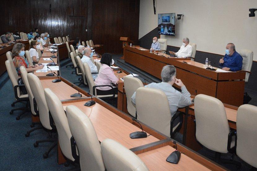 El análisis del Grupo Temporal de Trabajo del Gobierno estuvo encabezado por Díaz-Canel, Machado Ventura y Manuel Marrero. (Foto: Estudios Revolución)