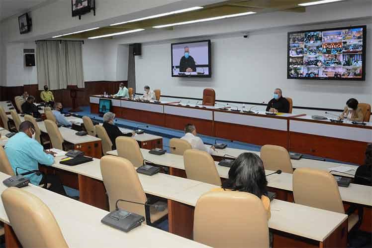 Este encuentro forma parte de una serie de reuniones para evaluar el desempeño de los organismos de la Administración Central del Estado. (Foto: Twitter @MMarreroCruz)