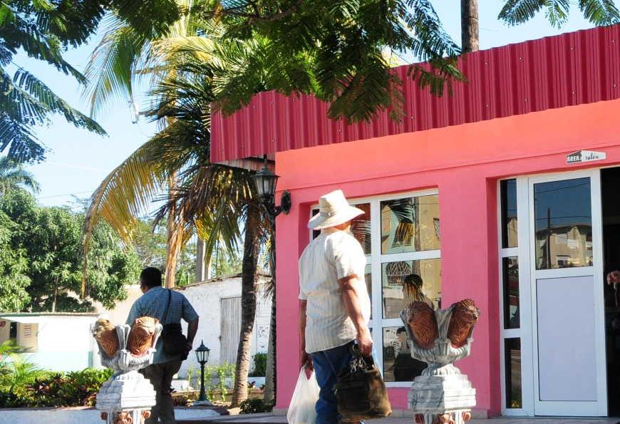 cuba, trabajo por cuenta propia, comercio, gastronomia, economia cubana