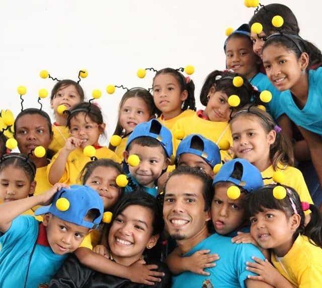En Venezuela fomentó el amor por el arte al ayudar a crear una Colmenita en el estado de Barinas. (Foto: Tomada del perfil de Facebook del entrevistado)