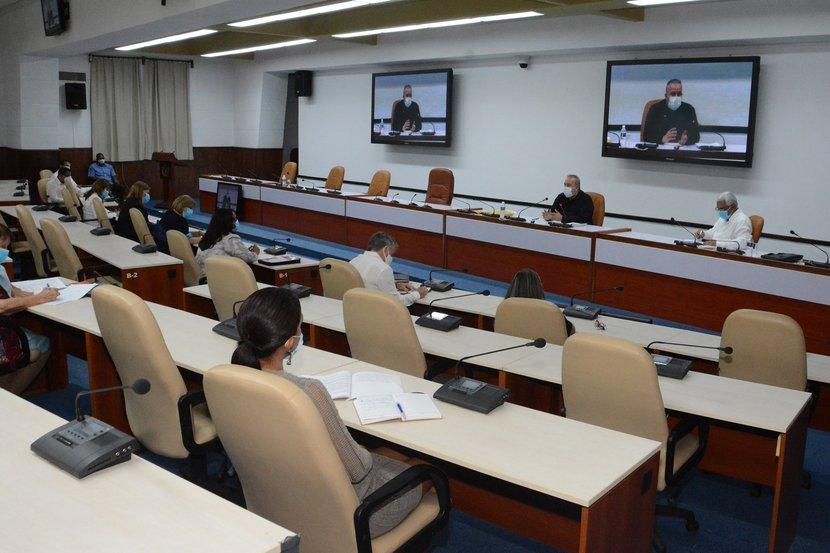 """Manuel Marrero Cruz,  instó al """"gran ejército"""" de juristas cubanos a continuar preparándose y superándose constantemente. (Foto: Estudios Revolución)"""